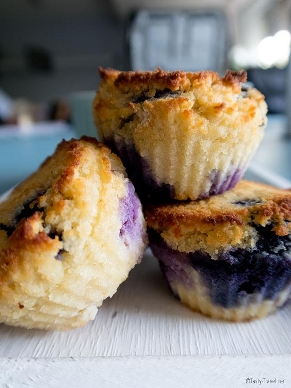 keto-blueberry-muffin
