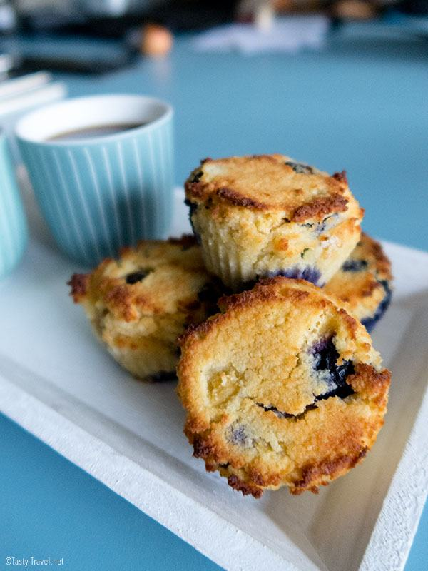 low-carb-blueberry-muffin