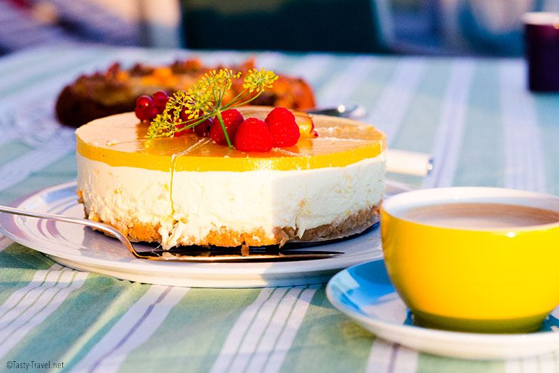 low-carb-mango-cheesecake